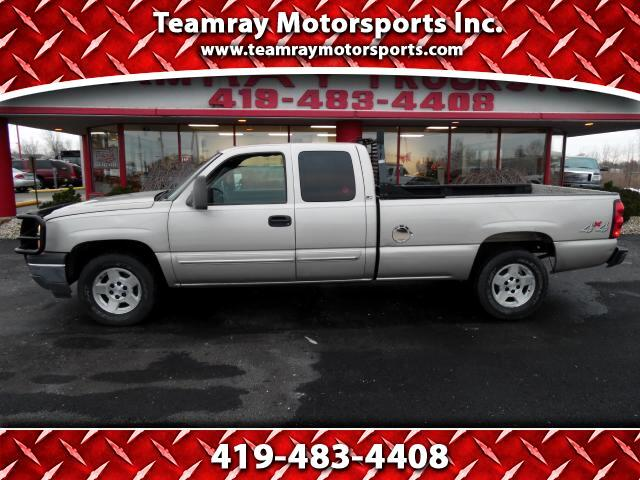 2005 Chevrolet Silverado 1500 LS Ext. Cab Long Box 4WD