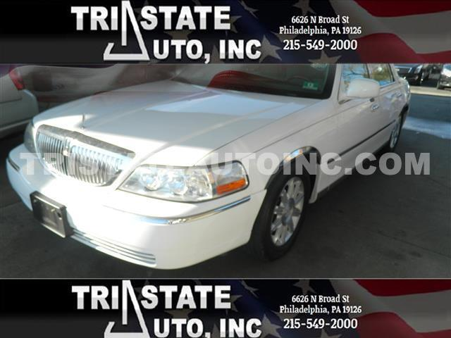 2009 Lincoln Town Car Sedan 4D Signature Limited