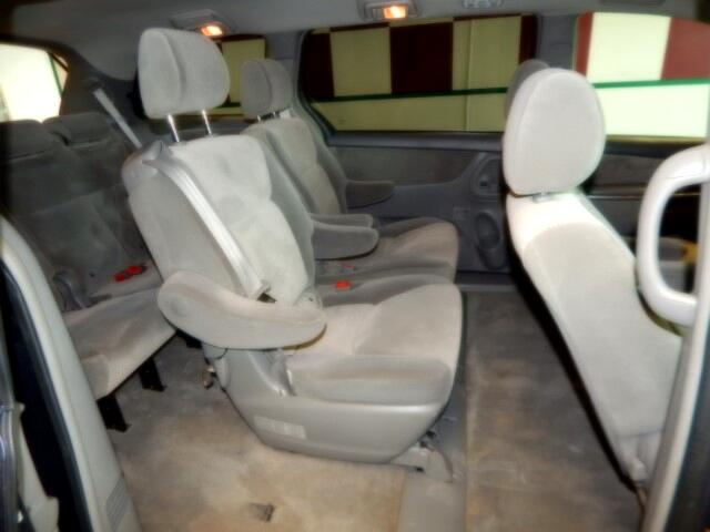 2008 Toyota Sienna LE FWD 8-Passenger Seating