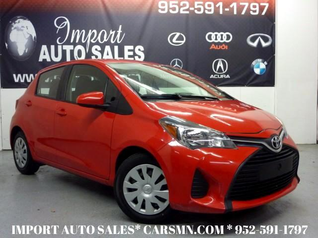 2015 Toyota Yaris LE 5-Door AT
