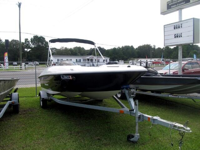 2015 Bayliner Pleasure Boat