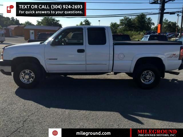 2003 Chevrolet Silverado 2500HD LS Ext. Cab Short Bed 4WD