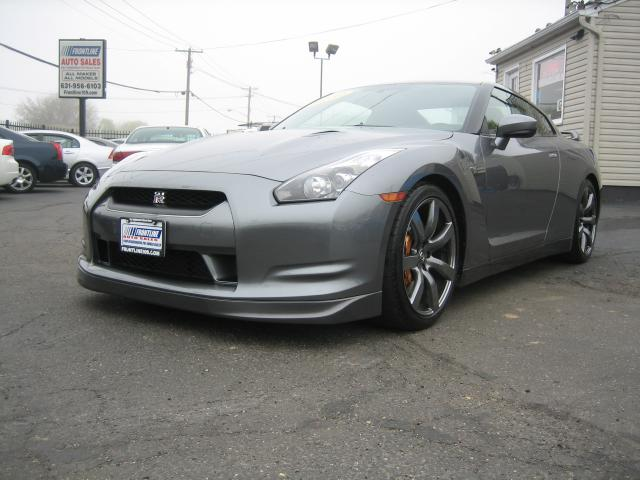 2010 Nissan GT-R Coupe