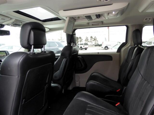 2016 Chrysler Town & Country Limited