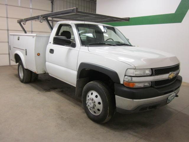 2001 Chevrolet Silverado 2500HD Reg Cab Utility Truck 4x4 DRW