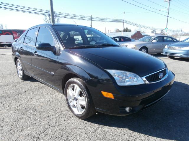 used 2005 ford focus for sale in thomasville nc 27360 curry bros auto sales. Black Bedroom Furniture Sets. Home Design Ideas