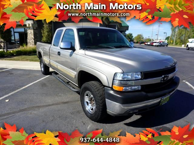 2001 Chevrolet Silverado 2500HD LT Ext. Cab Long Bed 2WD w/OnStar
