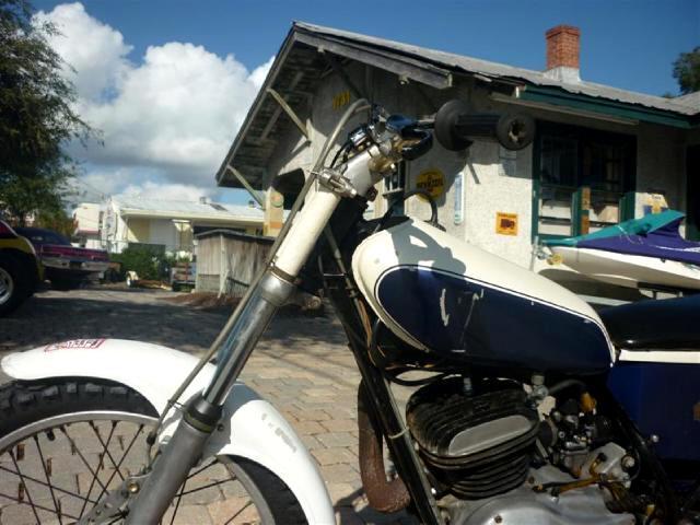 1975 Yamaha TY 250 2 stroke dirt bike very retro runs great