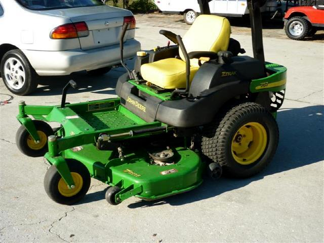 2006 John Deere Zero Turn 757 LOW HOURS ONE OWNER 13k new on this model