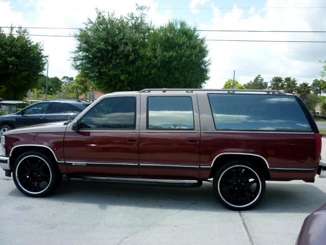 1994 Chevrolet Suburban 24 inch wheels C1500 2WD 3rd row seating