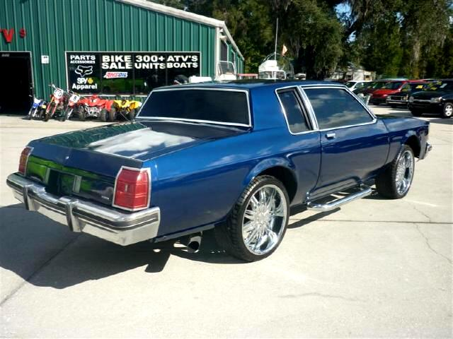 1983 Oldsmobile Delta Eighty-Eight Royale Butterfly doors Custom interior Music 22 inch whee