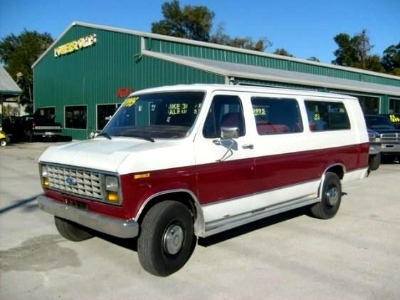 1989 Ford E-350 E350 Extended Van with large seating capacity