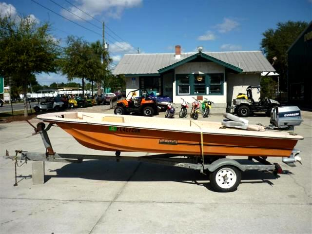 1982 Caddo 184 Open fishing boat ready to go
