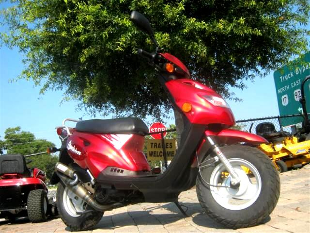 2005 MZ Moskito 50cc scooter great on gas runs good