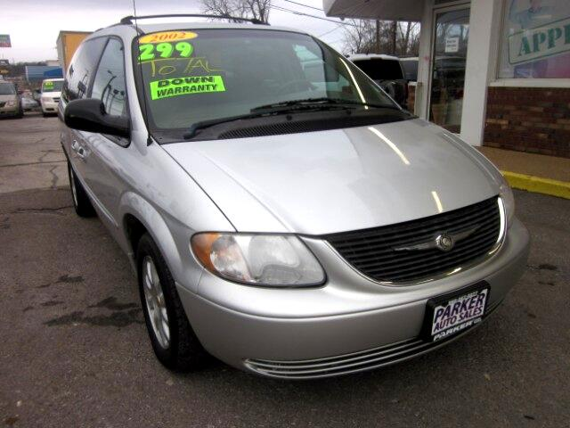 2002 Chrysler Town & Country eX