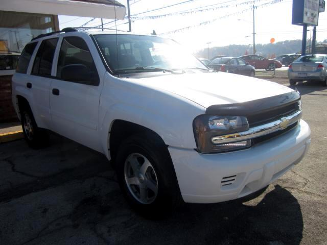 2006 Chevrolet TrailBlazer THE HOME OF THE 299 TOTAL DOWN PAYMENT Visit Parker Auto Sales online at