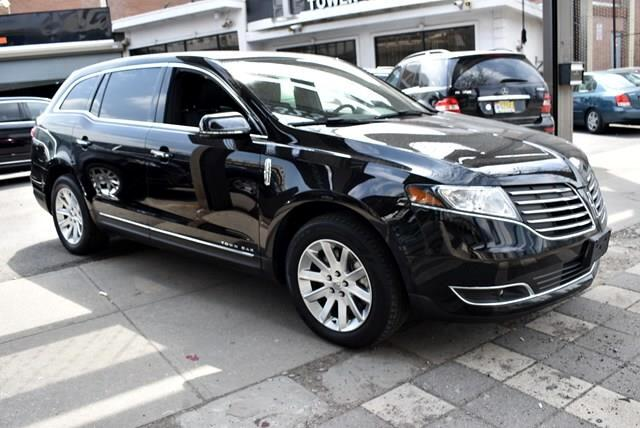 2017 Lincoln MKT Livery AWD