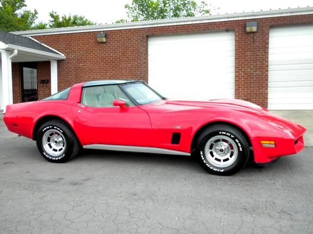 1980 Chevrolet Corvette MUST SEE THIS CORVETTE ITS RED AND READYRARE HARD TO FIND VERY NICE LE