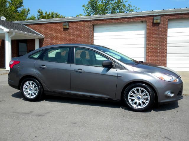 2012 Ford Focus WOW CHECK OUT THIS LIKE NEW FOCUS GAS SAVER GOOD TIRES POWER WINDOWS 1 OWNER CLEA