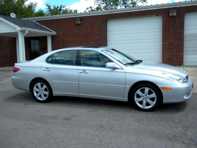 2005 Lexus ES 330 YOU WILL BE RIDING IN STYLE IN THIS LEXUS ITS WELL EQUIPPED WITH LEATHER NAV SUN
