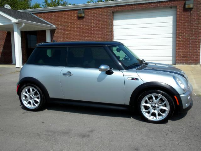 2005 MINI Cooper CHECH OUT THIS MINE COOPER S HEATED SEATS GREAT COLOR COMBINATION POWER LOCKS AN