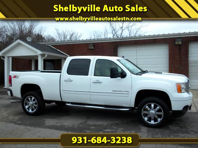 2011 GMC Sierra 2500HD WOW VERY NICE CHECK OUT THIS 1 OWNER CLEAN CARFAX LIKE NEW DENALI TRUCK