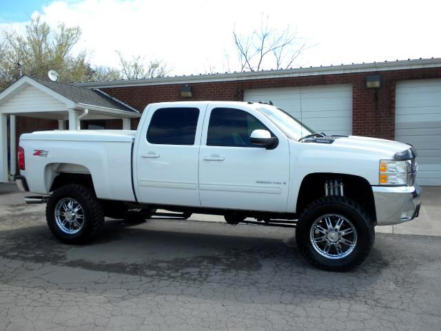 2009 Chevrolet Silverado 2500HD SHARP TRUCK SHARP WHEELS AND TIRES WITH A LIFT 4WD ADJUSTABLE