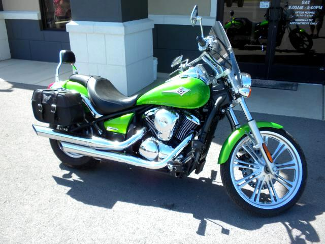 2008 Kawasaki VN900-C SUMMERS ALMOST HERE DONT MISS OUT ON THIS 2008 KAWASKI VN 900 6 SPEED COM