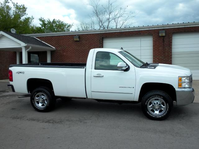 2009 Chevrolet Silverado 2500HD CHECK OUT THIS LOW MILEAGE 1 OWNER CLEAN CARFAX CHEVROLET 4WD RE