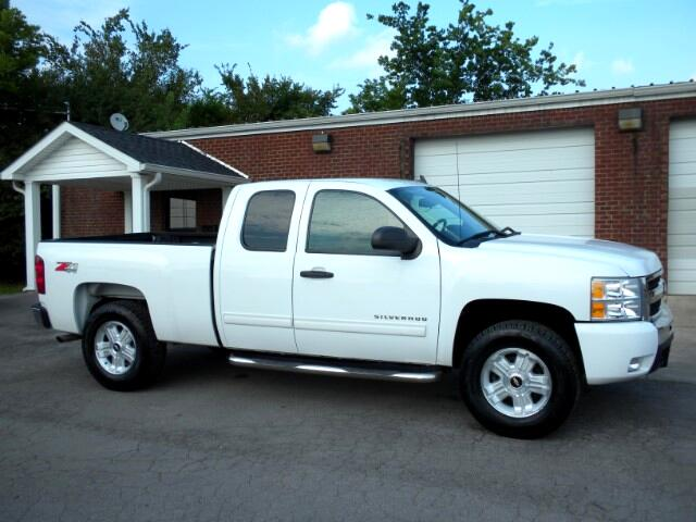 2010 Chevrolet Silverado 1500 CHECK OUT THIS CHEVROLET GOOD TIRES BACK UP SONAR 4WD CLEAN CARFAX