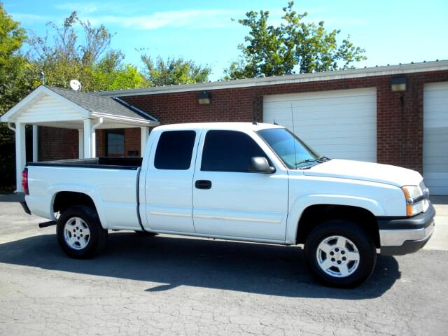 2004 Chevrolet Silverado 1500 NICE TRUCK 4WD EXT CABLEATHER HEATED SEATS ALL POWER CLEAN CARFAX