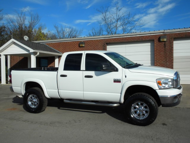 2008 Dodge Ram 2500 NICE TRUCK 4WD QUAD CAB CRUISE NEW TIRES POWER WINDOWS AND LOCKS THIS TRUCK