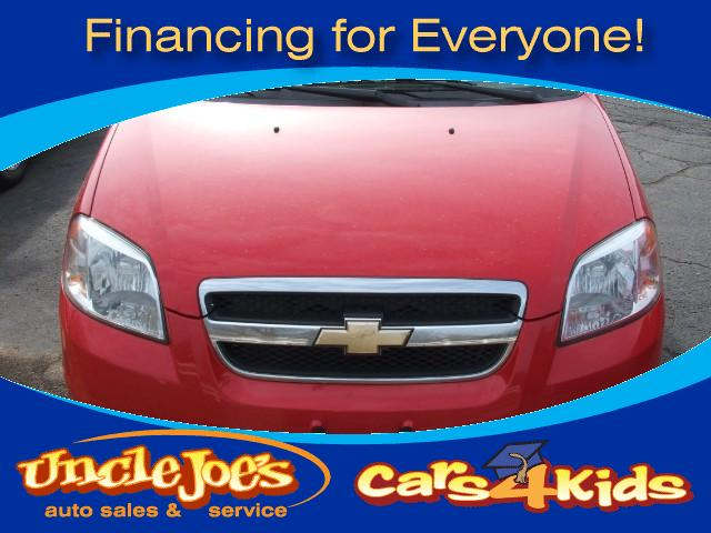 2011 Chevrolet Aveo Great looking car for any kidor someone that just want a great second car
