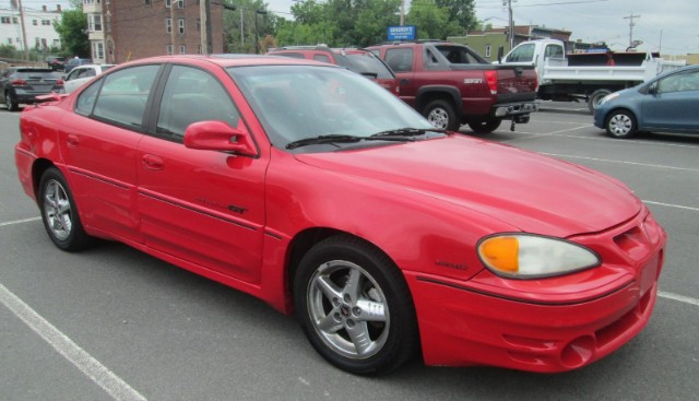 2002 Pontiac Grand Am GT1 sedan