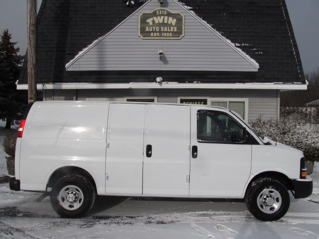 2013 Chevrolet Express 3500 Cargo Shelves Bins