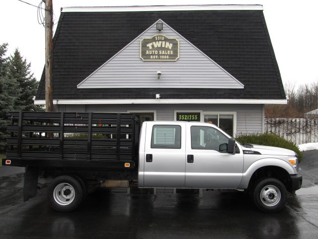 2015 Ford F-350 SD 4x4 9ft Stake Body
