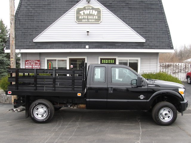 2016 Ford F-250 SD 4x4 6 1/2 ft Stake Body