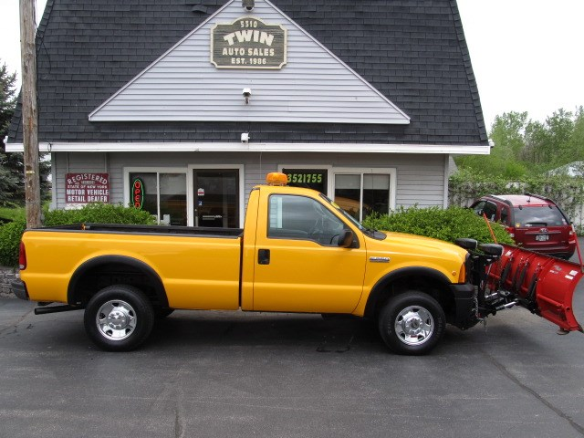 2007 Ford F-250 SD XL 4WD W/ PLOW