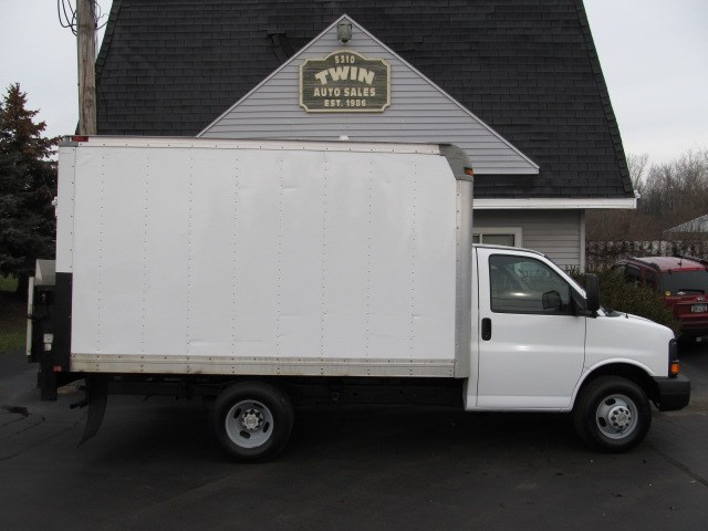 2012 Chevrolet Express G3500 12' Cube Lift Gate DRW