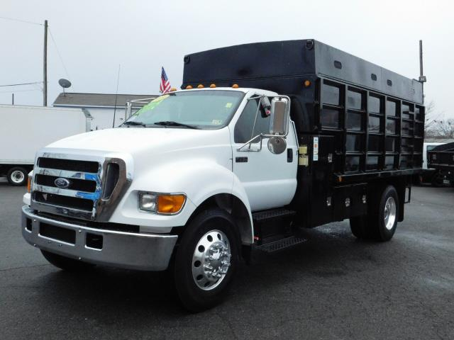 2004 Ford F-750 Regular Cab 2WD DRW