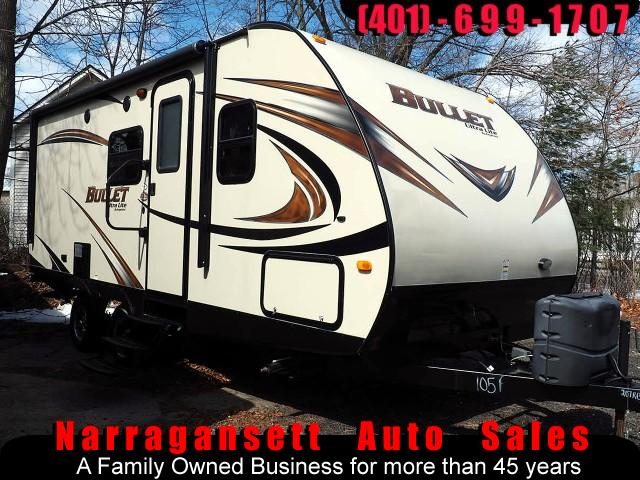 2014 Keystone Bullet 21' Power Slide-Out Sleeps 4 Like New