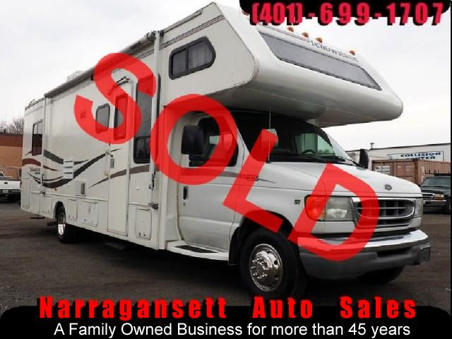 2003 Ford E450 Gulfstream 30' Class C Slide-Out Sleeps 8 Only 26K