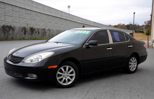 2004 Lexus ES 330 At Olympic Auto Sales we strive to provide select pre-owned vehicles that dont ha