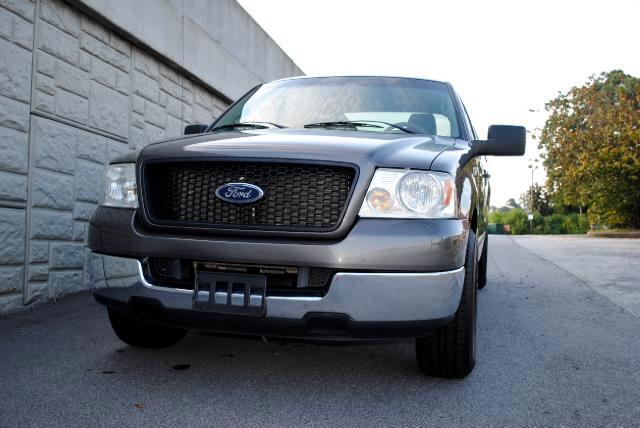 2004 Ford F-150 The 2004 Ford F150 is for the REAL Truck Lover NO ACCIDENTS Locking Pickup Truck Ta