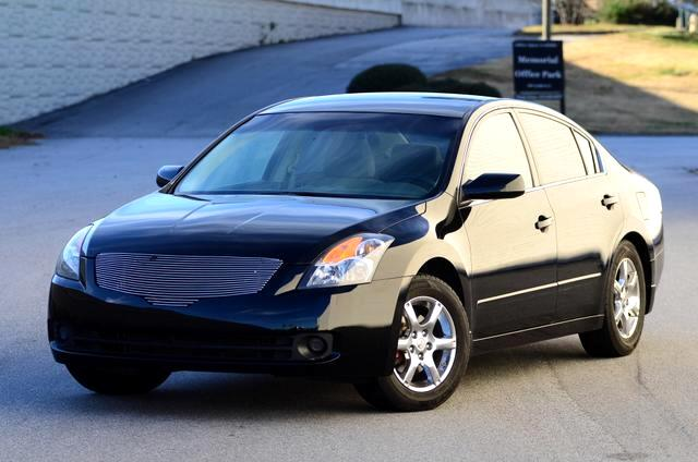 2007 Nissan Altima The 2007 Altima sports some more recent innovations in the market including but n
