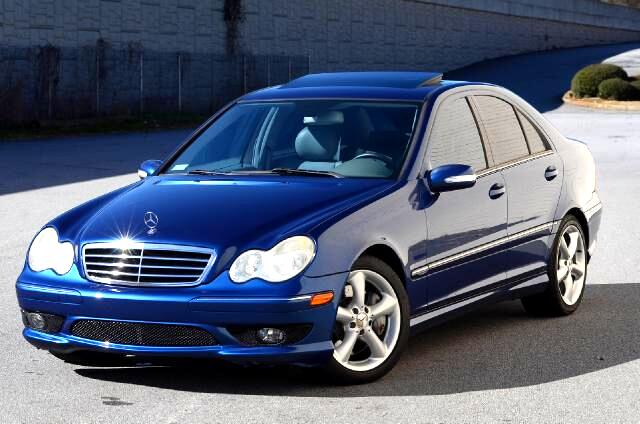 2005 Mercedes C-Class Olympic Auto Sales presents to you a 2005 Mercedes-Benz C230 Kompressor This