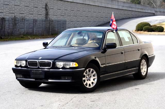 2001 BMW 7-Series Olympic Auto Sales presents to you the Flagship of its time this 2000 BMW 740iL
