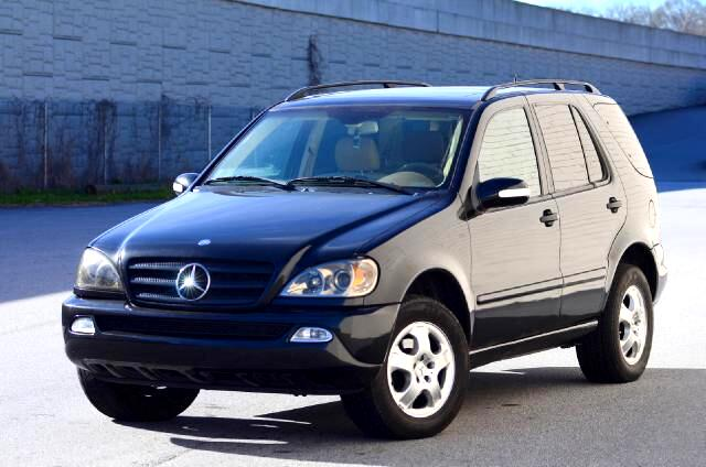 2003 Mercedes M-Class Olympic Auto Sales presents to you this 2003 Mercedes-Benz ML350 This vehicle