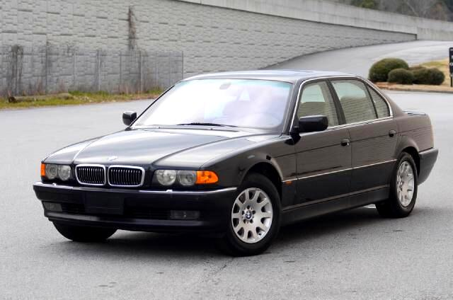 2000 BMW 7-Series Olympic Auto Sales presents to you this 2000 BMW 740il the executive flagship of i