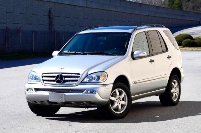 2004 Mercedes M-Class Olympic Auto Sales presents to you a Silver 2004 Mercedes-Benz ML 350 This ve